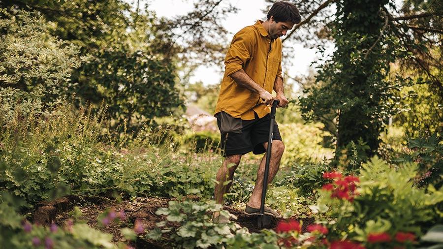 plantoir a bulbes sur pieds ergo 1057078 fiskars